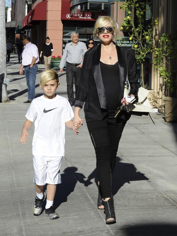 Gwen Stefani et son fils Kingston à Beverly Hills, le 26 décembre 2013.