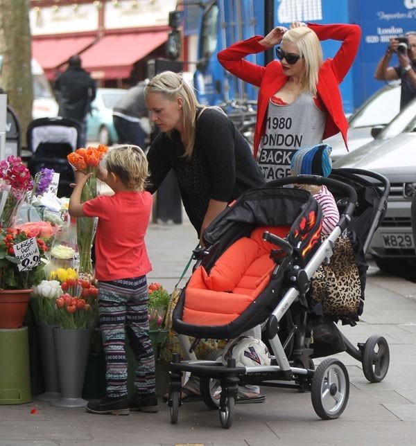Dans les rues de Londres, elle ne passait pas inaperçue !