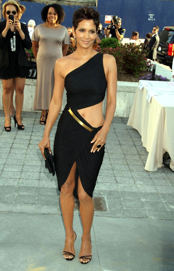 Halle Berry toujours top canon à 44 ans !