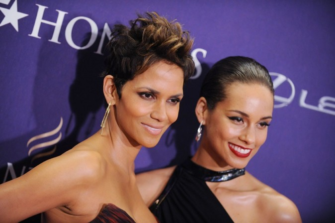 Halle Berry et Alicia Keys sur le tapis rouge des BET Honors à Washington le 12 janvier 2013