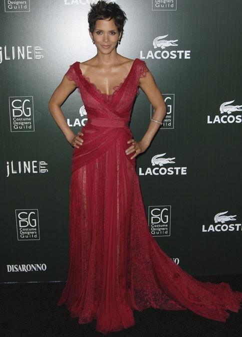 Des envies de meutre avec cette robe rouge ?