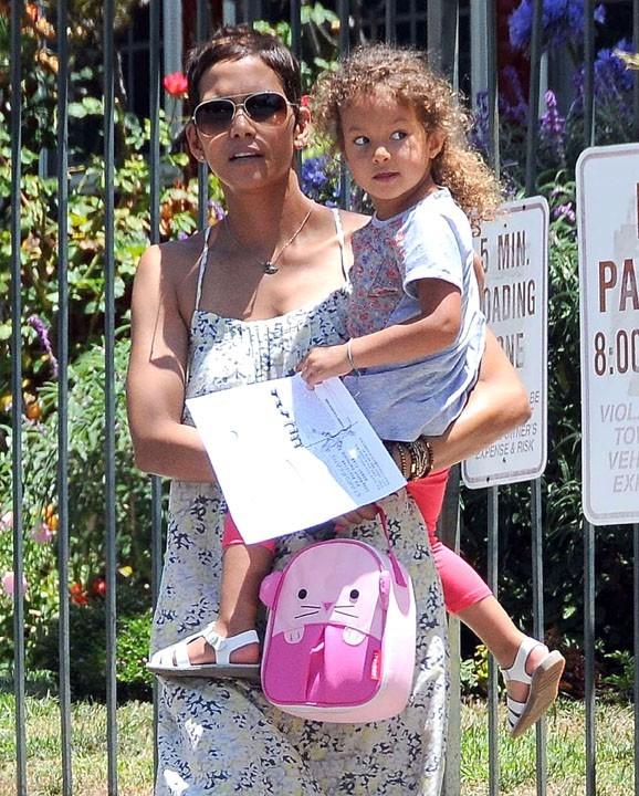 Halle Berry a eu le droit à un beau dessin de sa fille Nahla...