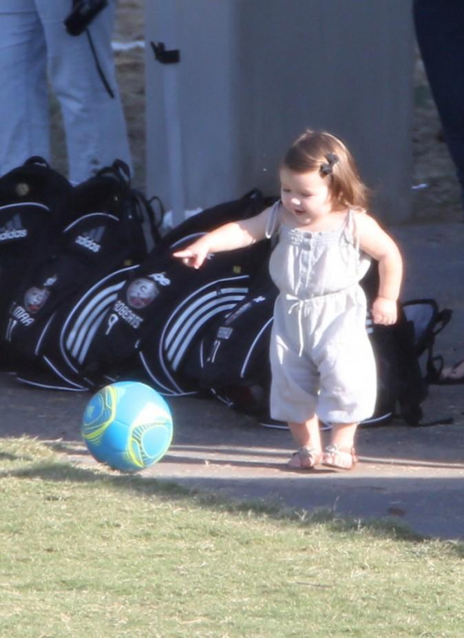 Harper Beckham lors d'un match de foot à Los Angeles, 29 septembre 2012.