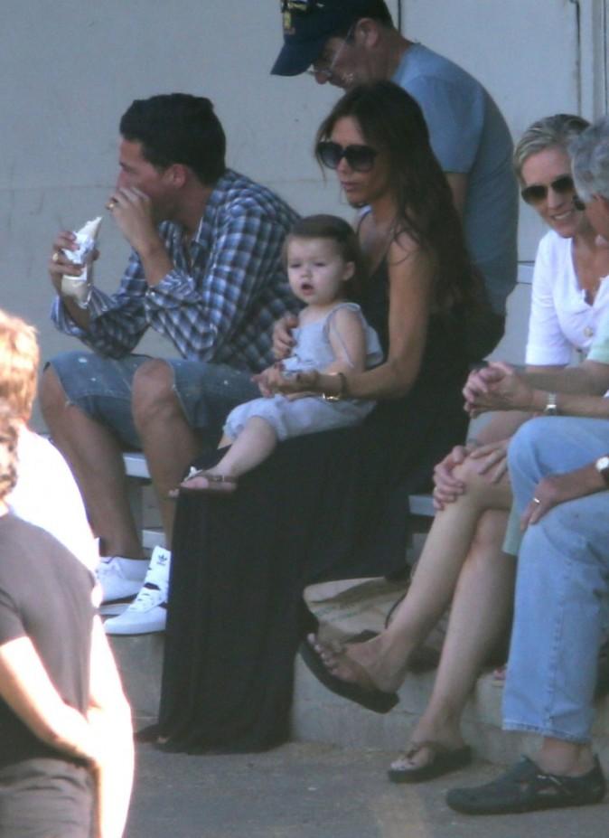 Victoria Beckham et sa fille Harper lors d'un match de foot à Los Angeles, 29 septembre 2012.