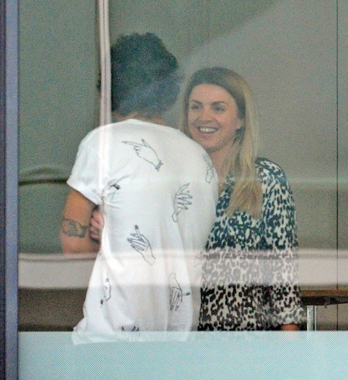 Photos : Harry Styles : qui est la mystérieuse blonde pendue à son cou ?