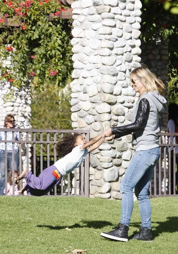 Heidi Klum au parc dimanche 15 avril avec toute sa tribu !