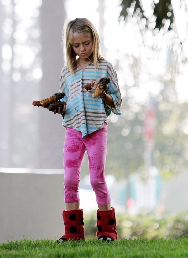 Leni a les mêmes bottes fourrées que Lou !
