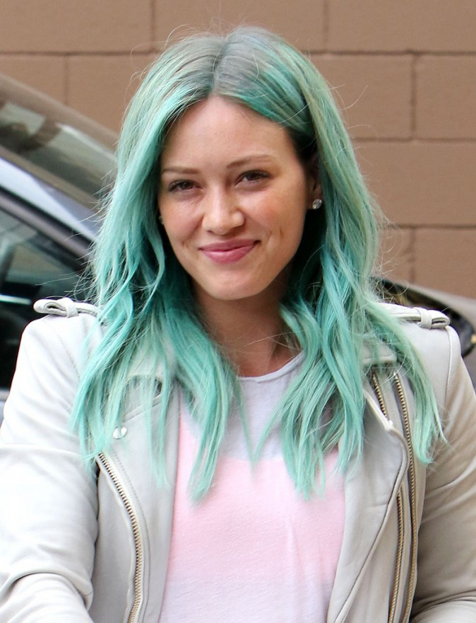 Photos : Hilary Duff copie Kylie Jenner et ose le vert !