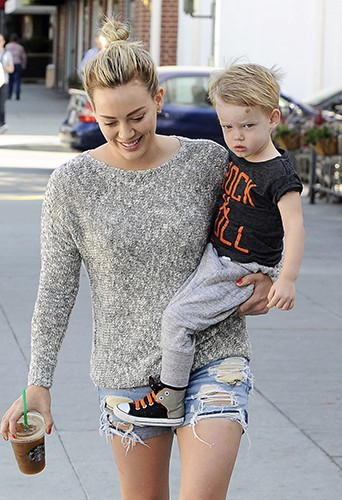 Hilary Duff et son fils à Los Angeles le 6 mai 2014