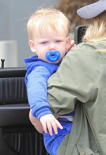 Hilary Duff et son petit Luca à Los Angeles le 15 avril 2013