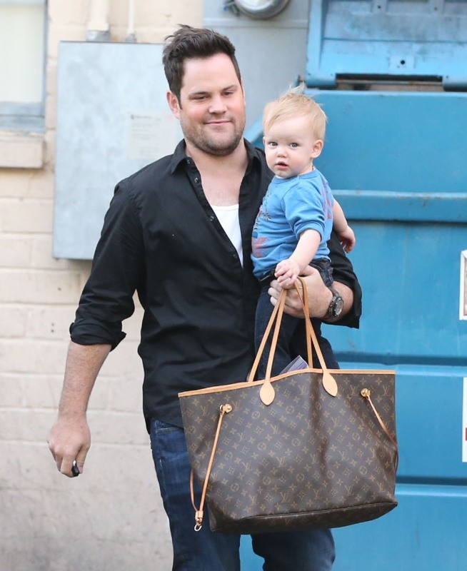 Mike Comrie et Luca le 3 mars 2013 à West Hollywood