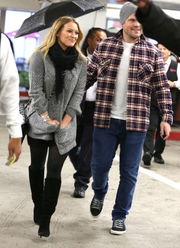 Hilary Duff et Mike Comrie le 16 décembre 2012 à Los Angeles