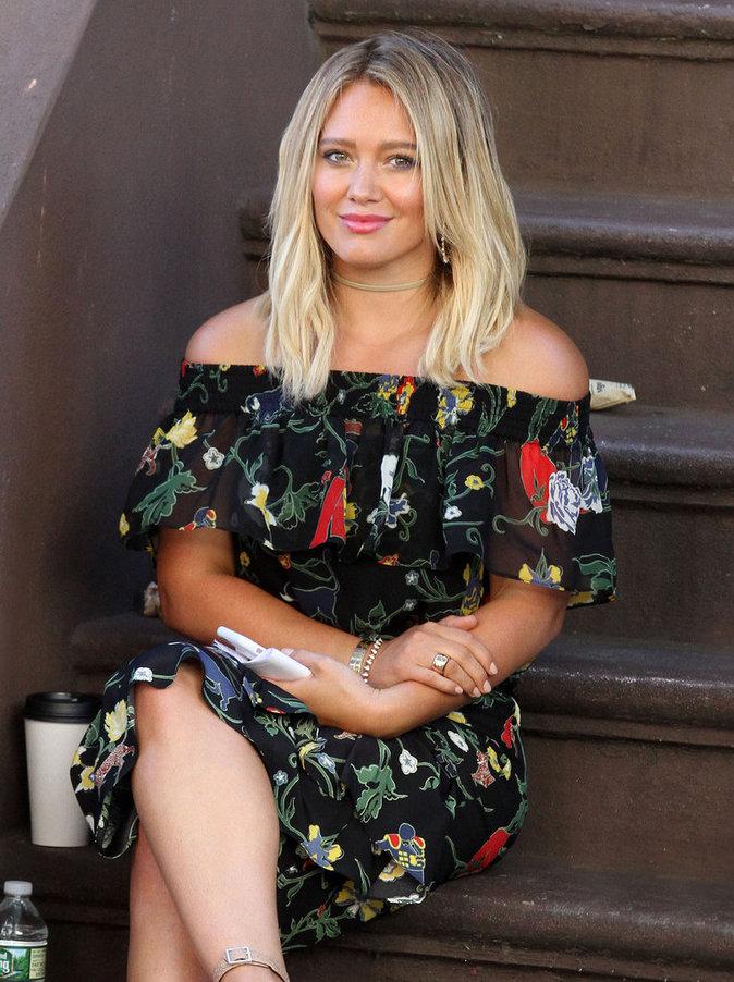 """Hilary Duff : ultra canon sur le tournage de la série """"Younger"""""""