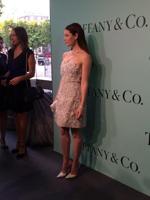 Jessica Biel à l'inauguration de la boutique Tiffany & Co sur les Champs-Elysées le 10 juin !