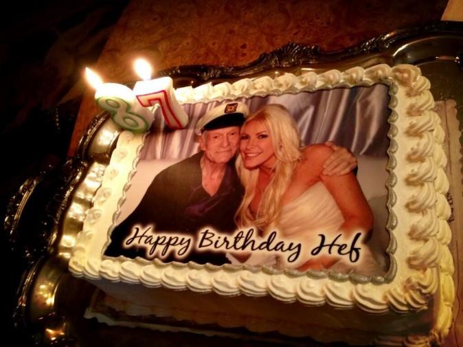 Le gâteau d'anniversaire de Hugh Hefner