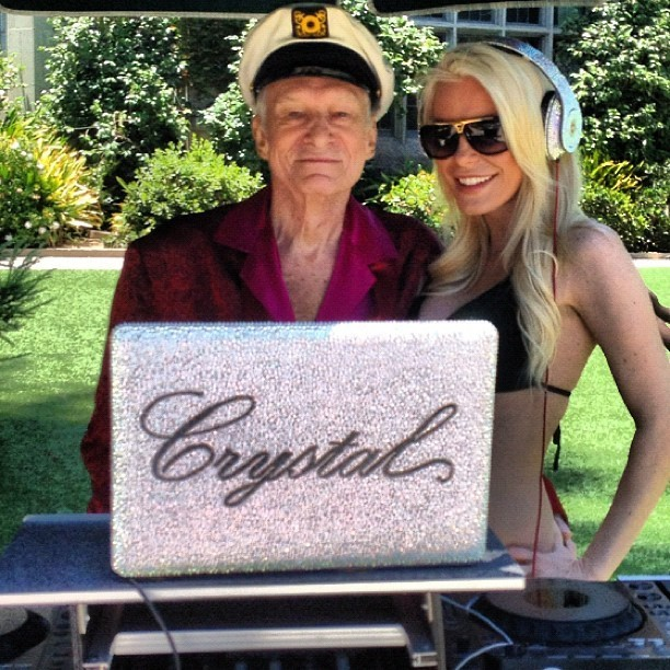 La DJ du Playboy Mansion