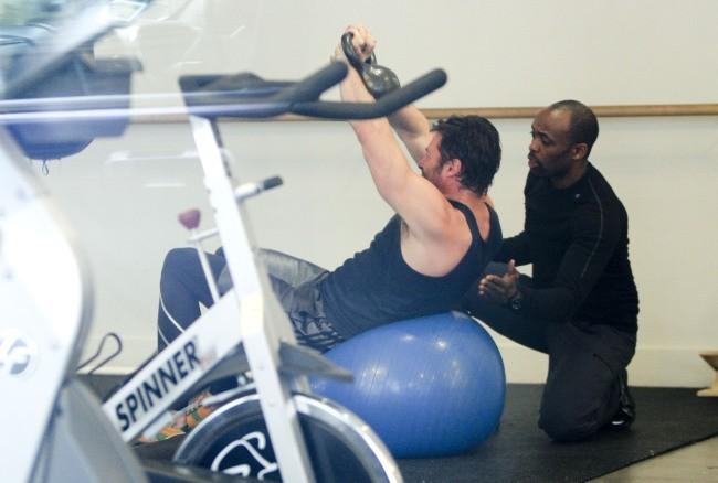 Hugh Jackman en plein entraînement sportif, le 15 avril 2013 à New York
