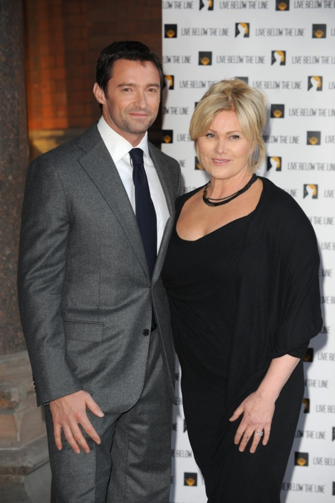 Hugh Jackman et sa femme Deborra Lee Furness lors de la soirée Live Below The Line Charity Benefit à Londres, le 18 avril 2011.
