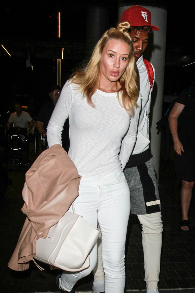 Iggy Azalea et Nick Young à l'aéroport de Los Angeles le 16 août 2015