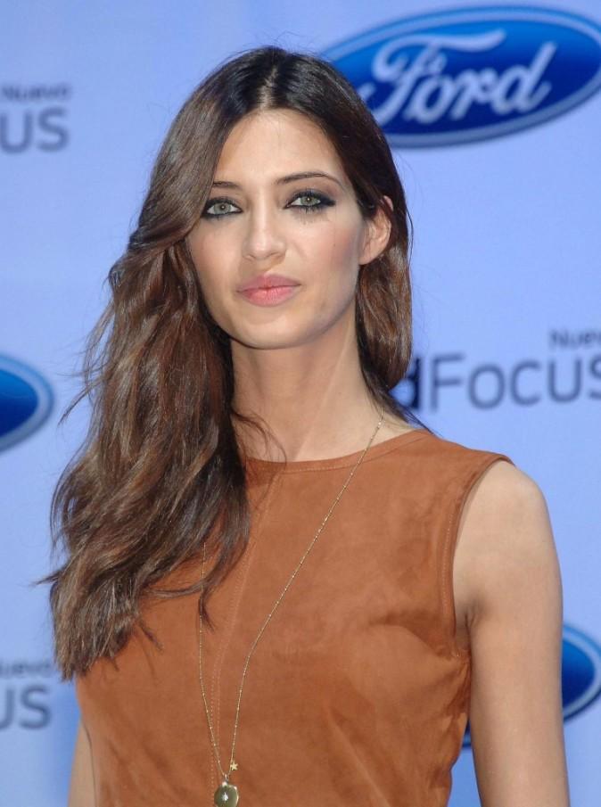 Sara Carbonero : Ravissante aussi dans une robe discréte