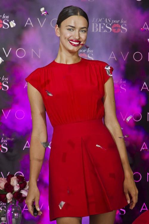 Photos : Irina Shayk : Cristiano qui ? Elle réserve ses baisers à d'autres !