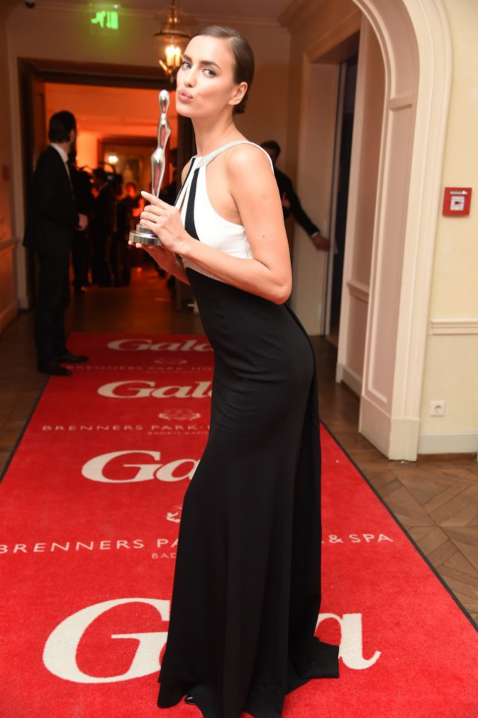 Photos : Irina Shayk : délicieuse à souhait afin de recevoir une distinction pour sa beauté !