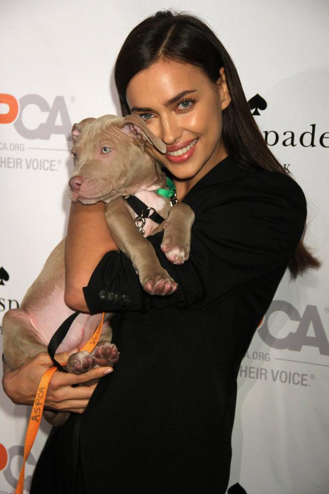 Photos : Irina Shayk : une top qui a du chien... et du coeur !