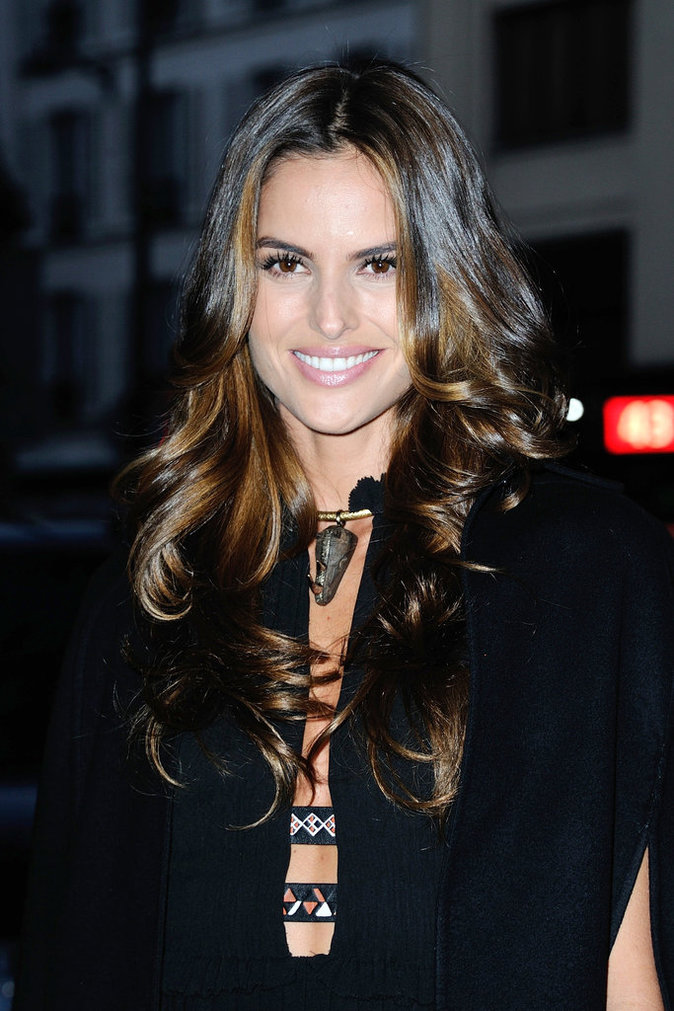 Photos : Izabel Goulart : toujours cap(e) d'illuminer Paris !