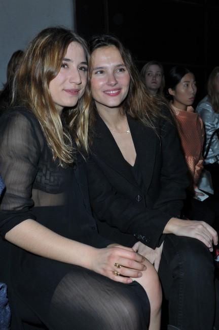 Izïa Higelin et Virginie Ledoyen le 5 mars 2013 à Paris