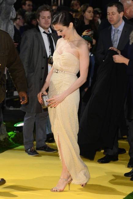 """Rachel Weisz lors de la première du film """"Le Monde Fantastique d'Oz"""" à Londres, le 28 février 2013."""