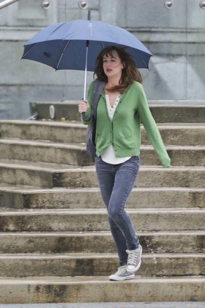 Dakota Johnson à Vancouver le 13 octobre 2014
