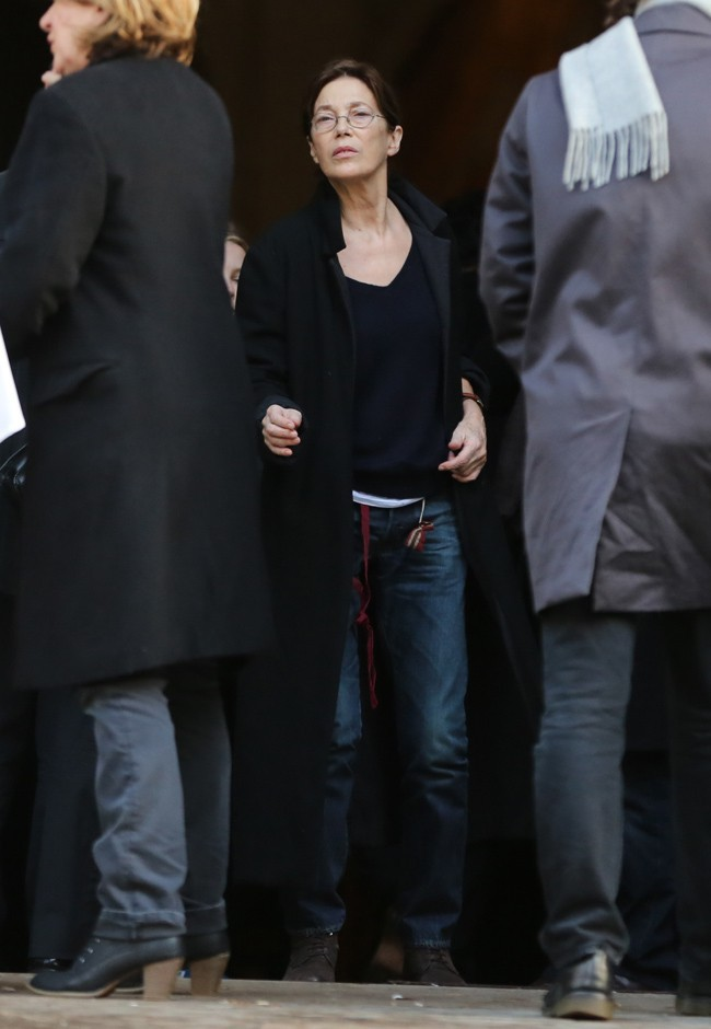 Jane Birkin aux obsèques de Kate Barry à Paris le 19 décembre 2013