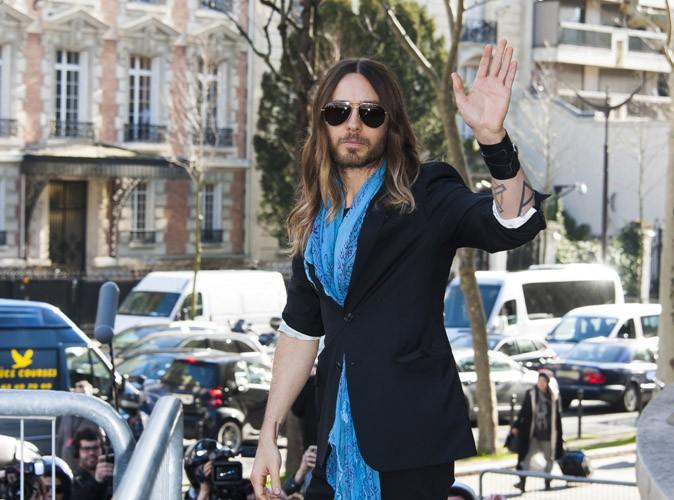 Jared Leto : entre défilé et salon de thé, l'Oscarisé prend du bon temps à Paris !