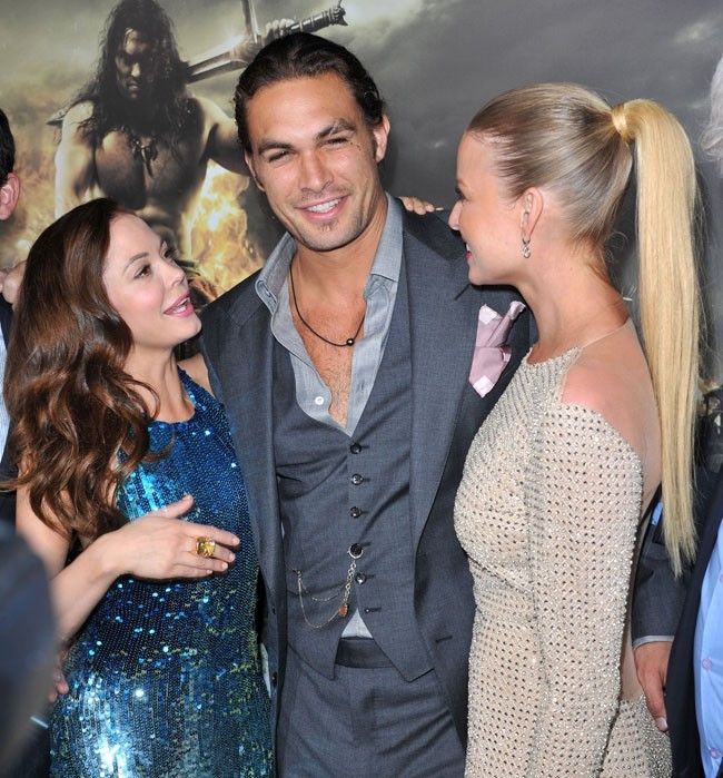 Avec Rose Mc Gowan et Rachel Nichols, elles sont dingues de lui !