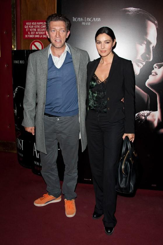 Vincent Cassel et Monica Bellucci lors de la première de The Artist à Paris, le 28 septembre 2011.