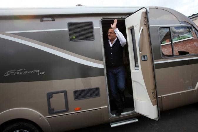 En mars 2011, une tournée en camping-car pour sensibiliser les jeunes aux problèmes de la drogue