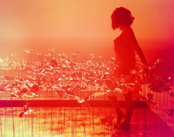 """Les premières images du prochain clip de Jenifer, """"L'envers du paradis""""."""