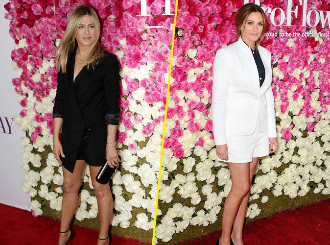 Jennifer Aniston et Julia Roberts : battle de bombes en noir et blanc sur le red carpet !