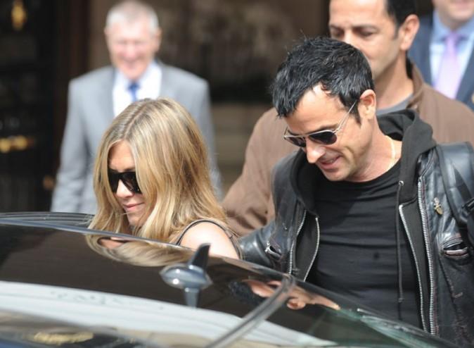 Justin Theroux et Jennifer Aniston à leur départ de Paris le 14 juin 2012