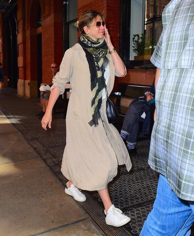 Photos : Jennifer Aniston et Justin Theroux : enfin enceinte ? Découvrez les photos d'un baby-bump très attendu !