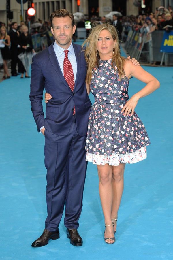 """Jennifer Aniston et Jason Sudeikis à l'avant-première européenne des """"Miller, une famille en herbe"""" à Londres le 14 août 2013"""