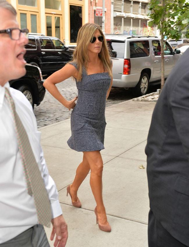 """Jennifer Aniston à son arrivée à la conférence de presse de """"We're The Millers"""" à New-York le 27 juillet 2013"""