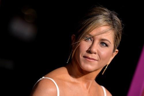 Photos : Jennifer Aniston : solo à la première de Horrible Bosses 2, elle peut compter sur Courtney Cox !