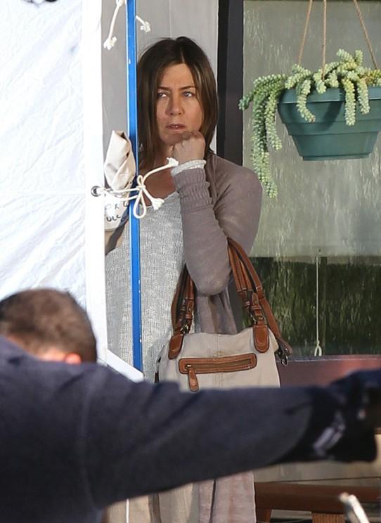 Jennifer Aniston en tournage à Pasadena le 4 avril 2014