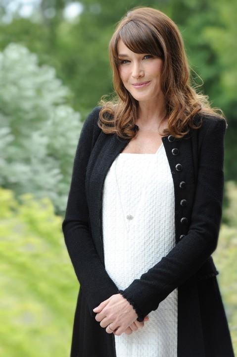 Carla Bruni, la grossesse la pus médiatisée de France cette année !