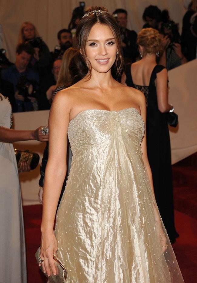 Jessica Alba, hyper lookée pendant sa deuxième grossesse cette année