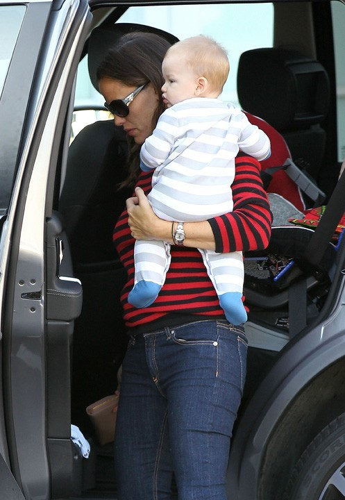 Jennifer Garner en famille à Brentwood le 3 octobre 2012