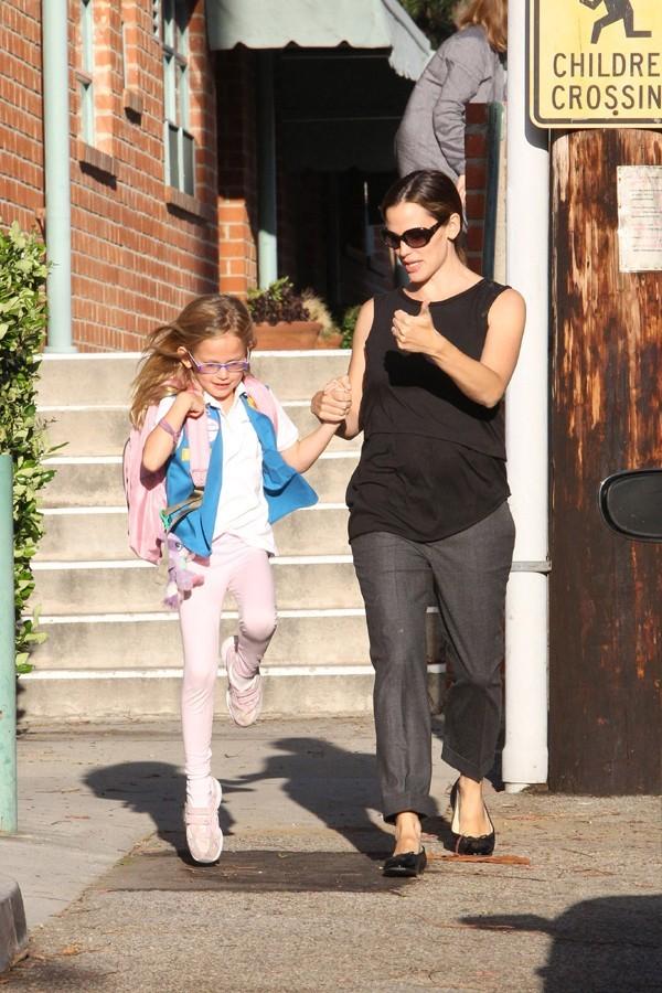 Jennifer Garner avec sa fille Violet à Santa-Monica le 12 octobre 2012