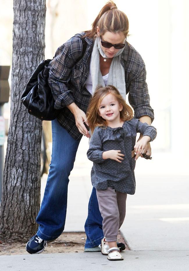 Jennifer Garner, aux petits soins pour Seraphina !