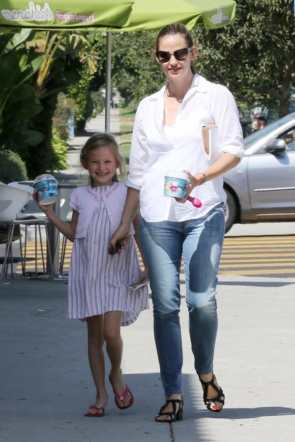 Jennifer Garner et Violet à Beverly Hills le 17 septembre 2012